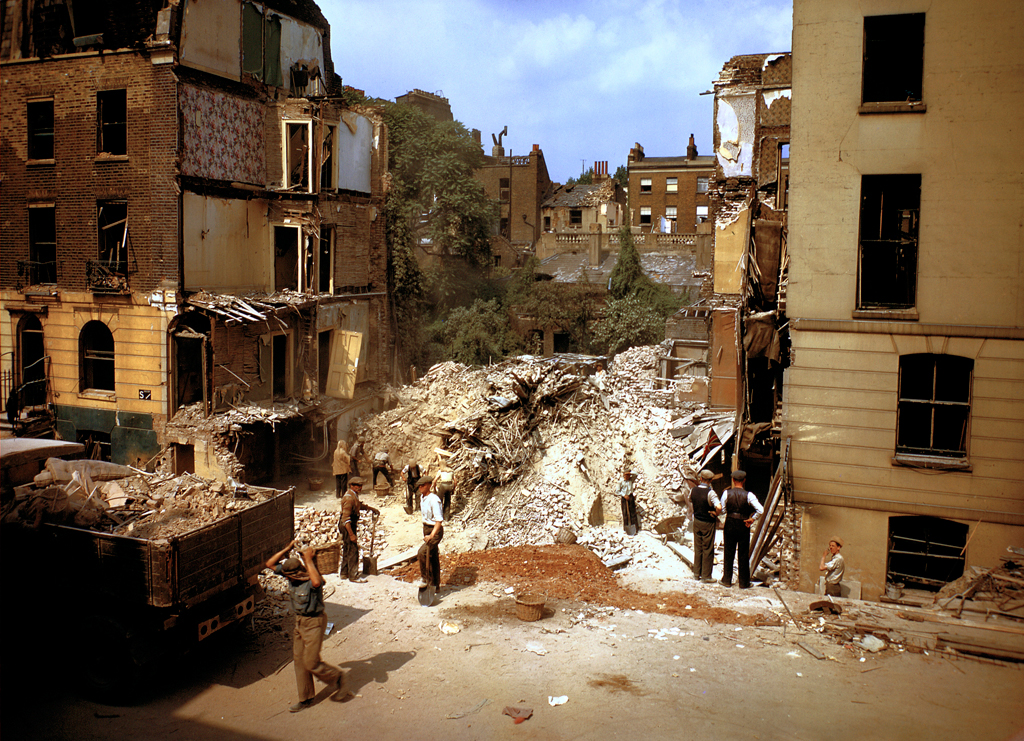 London in colour during ww2 14 pics i like to waste my for How many homes were destroyed in germany in ww2