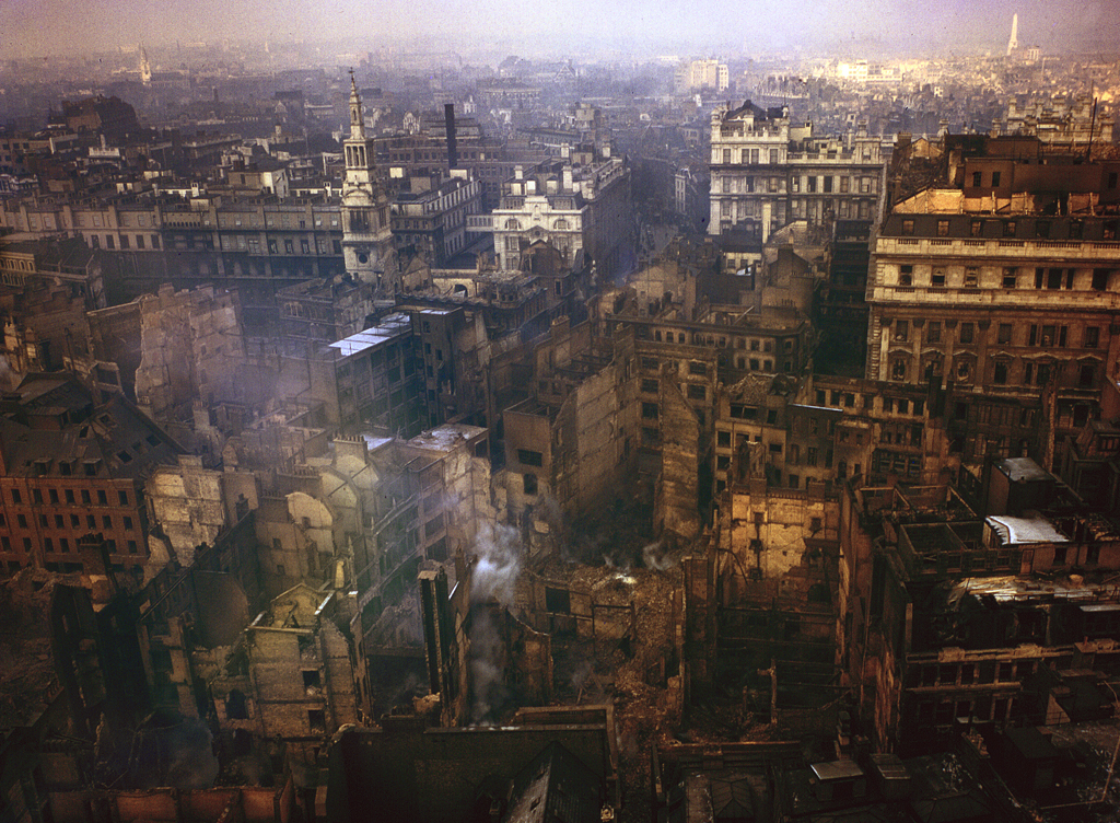 London in Colour During WW2 [14 Pics]